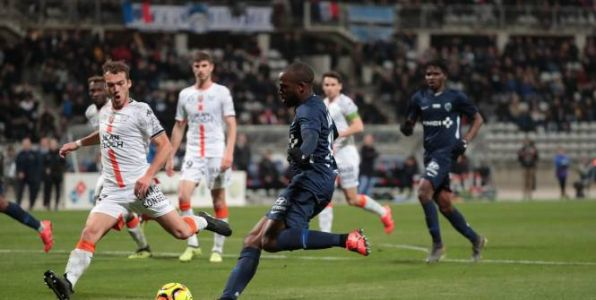 Foot - L2 - Le Paris FC et Lorient se neutralisent en Ligue 2