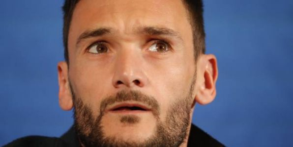 Foot - Bleus - Hugo Lloris:  «On a pensé très fort à Laurent Koscielny»
