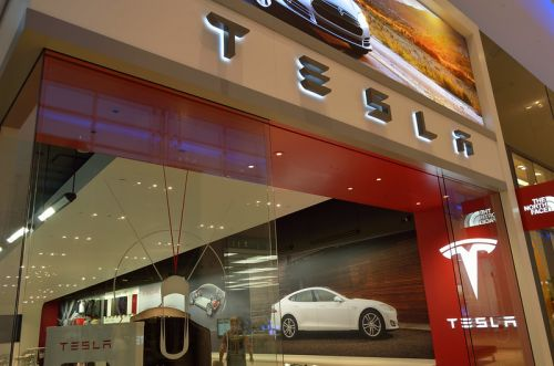 Tesla explose en bourse:  Fast and Furious