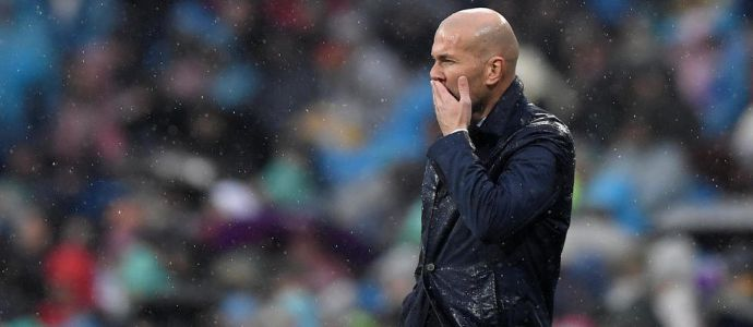 Football - Real Madrid : Zidane, le mythe s'effrite