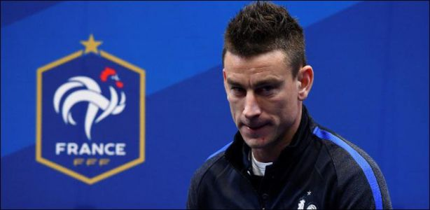 Football français - Laurent Koscielny voulait «que la France perde»