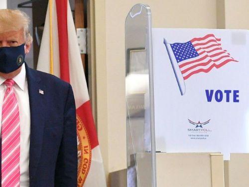 Trump vote en Floride et affiche son optimisme
