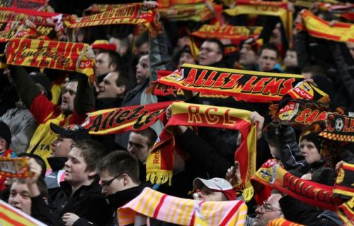 Ligue 2: Après les incidents à Valenciennes, le RC Lens sanctionne ses supporters