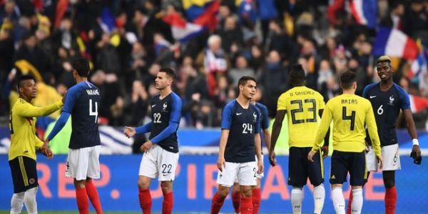 Football : la France renversée par la Colombie (2-3)
