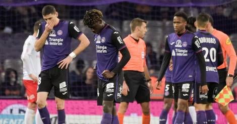 "Football:  Toulouse ""prend acte"" de sa rétrogradation en L2"