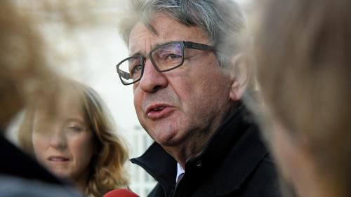 VIDEO. Agacé par une question, Jean-Luc Mélenchon imite l'accent toulousain d'une journaliste
