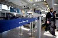 United Airlines conclut un accord avec le passager expulsé