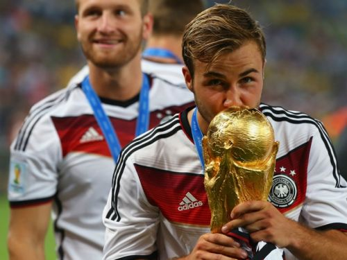 VIDEO: L'importance de l'hydratation - Mario Götze