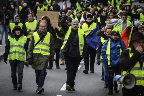 "DIAPORAMA - ""Gilets jaunes"":  à Paris, un acte 5 relativement calme"