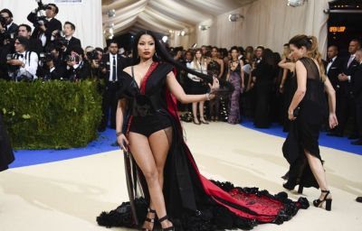 Le play-back raté de Nicki Minaj. La Baby Shower africaine de Beyoncé