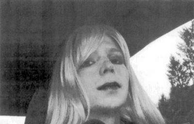 VIDEO. WikiLeaks: Obama commue la peine de Chelsea Manning, l'ancienne taupe sortira en mai