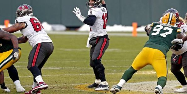 Foot US - NFL - Tom Brady et les Tampa Bay Buccaneers battent les Green Bay Packers et se qualifient pour le Super Bowl