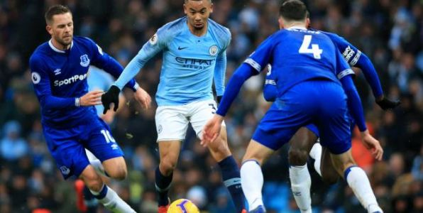 Foot - ANG - Vainqueur 3-1 d'Everton, Manchester City reprend la tête de la Premier League