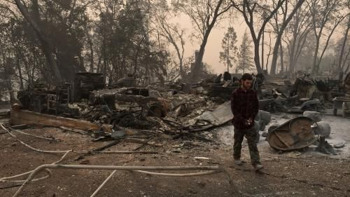 Incendies en Californie:  le bilan s'alourdit à 66 morts, plus de 600 personnes portées disparues