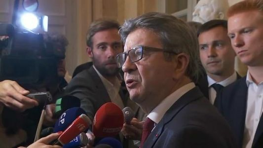 Agacé par une question, Jean-Luc Mélenchon se moque de l'accent toulousain d'une journaliste