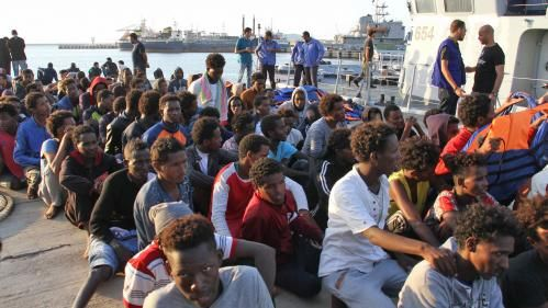 Migrants:  la France va livrer six embarcations à la marine libyenne