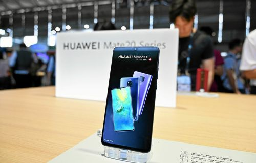 Huawei. Ses ventes plongent de 40 % à l'international