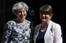 Grande Bretagne:  un accord de gouvernement signé entre le DUP et Theresa May