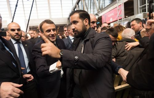 Affaire Benalla. EN DIRECT: Le collaborateur d'Emmanuel Macron placé en garde à vue