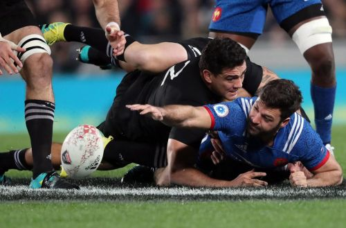 Rugby:  face aux All Blacks, cinq changements dans le XV de France