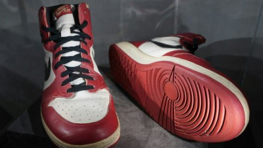 Des baskets de Michael Jordan vendues 152.500 dollars