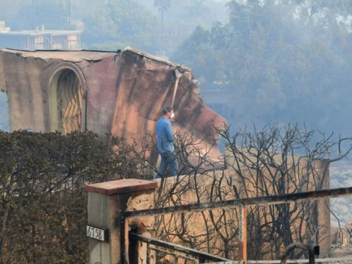 Violents incendies en Californie: plus d'une dizaine de morts, Malibu menacée