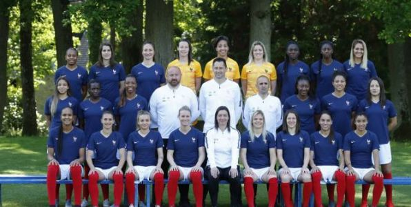 Foot - Bleues - La photo officielle des Bleues pour la Coupe du monde en France