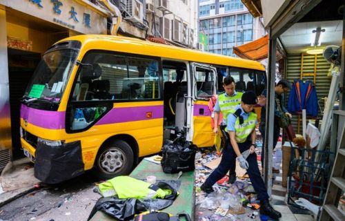 Hong Kong: Quatre morts dans la course folle d'un bus vide