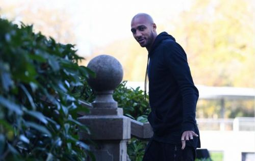 EN DIRECT - Mercato:  l'AS Rome officialise le recrutement de Steven Nzonzi