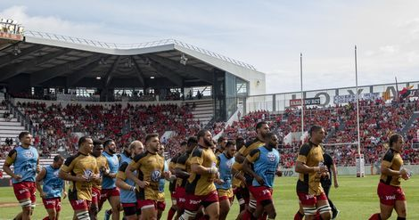 Rugby - Top 14:  le RCT fait le plein de points contre Agen (33-3)